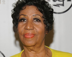 NEWS: Patti Labelle & Aretha Franklin Fistfight?