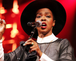 NEWS: Lauryn Hill Explains A Few Things!